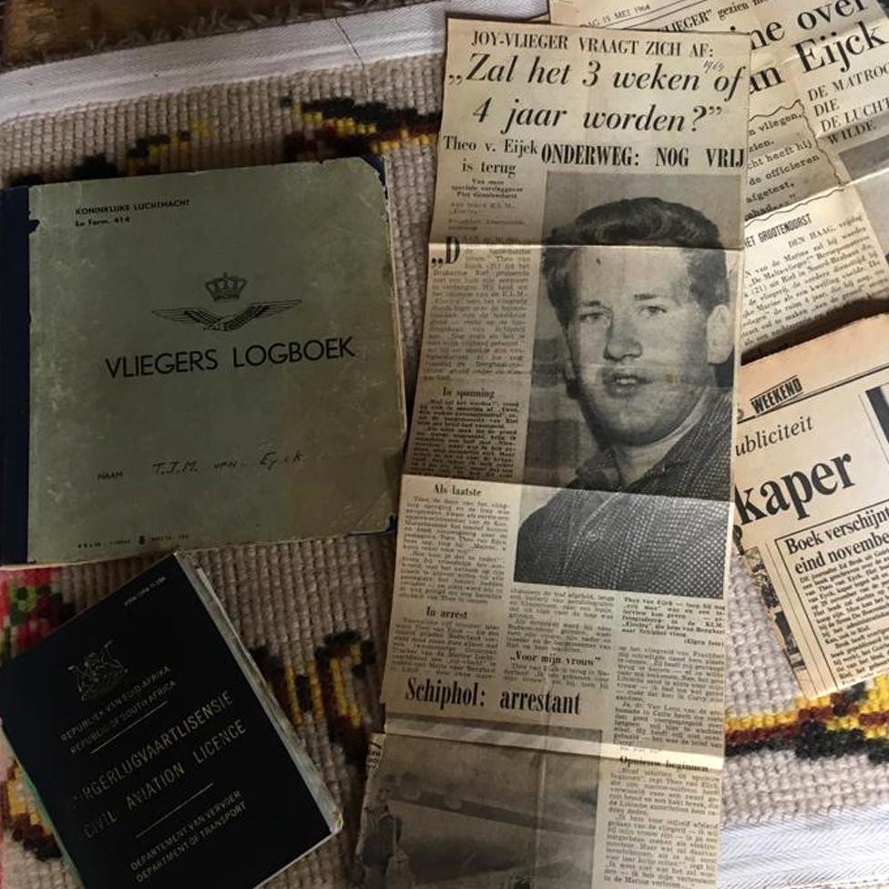 """Holandske novine su za Van Ajka pisale da je """"joy-vlieger"""", to jest kradljivac aviona iz zabave."""