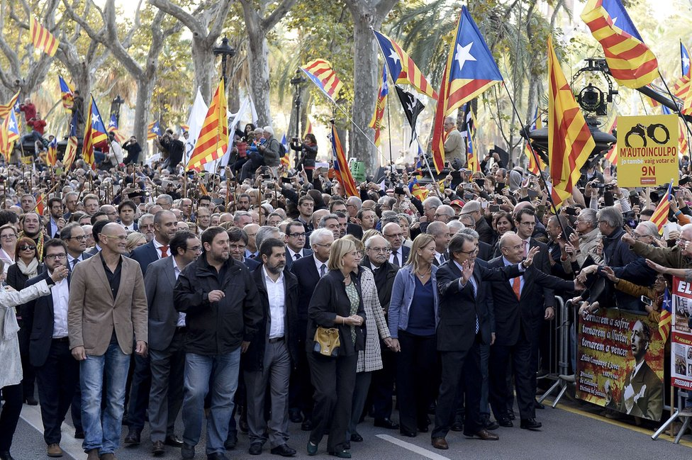 Pro-independence march in Barcelona, 15 Oct 15