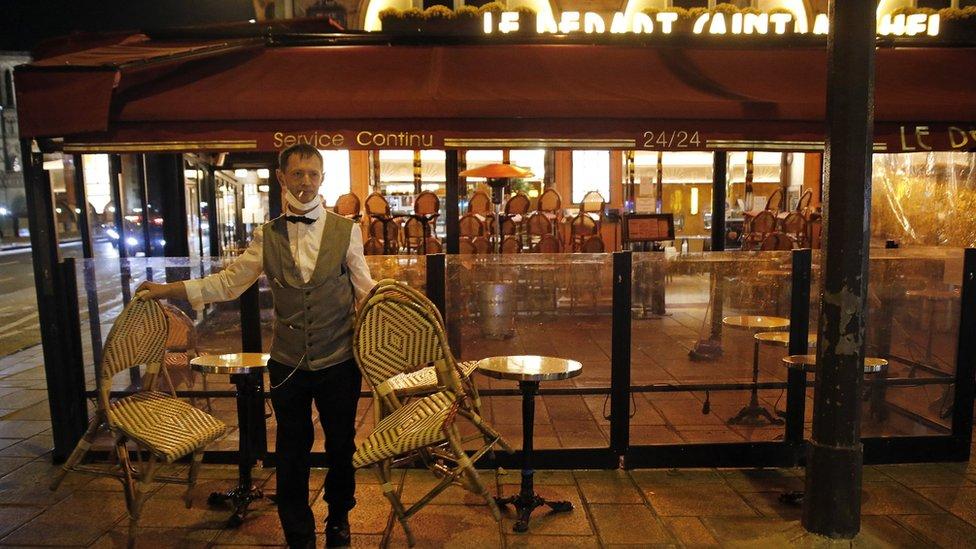 سيتعين على الحانات والمطاعم الفرنسية إغلاق أبوابها