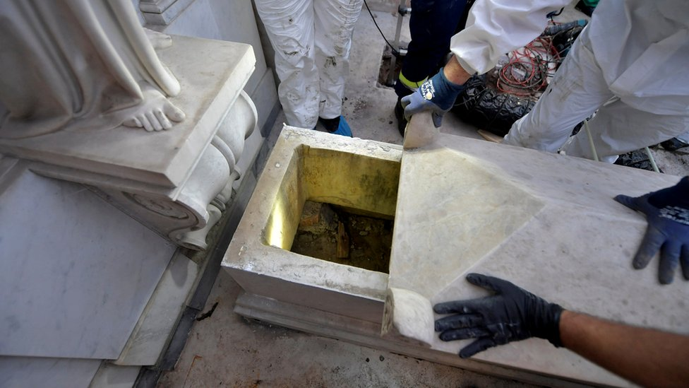 A tomb is opened in a cemetery on the Vatican´s grounds, 11 July 2019