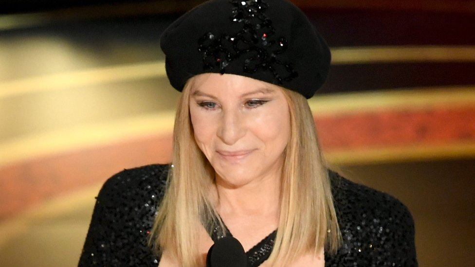 Michael Jackson: Barbra Streisand apologises for abuse remarks