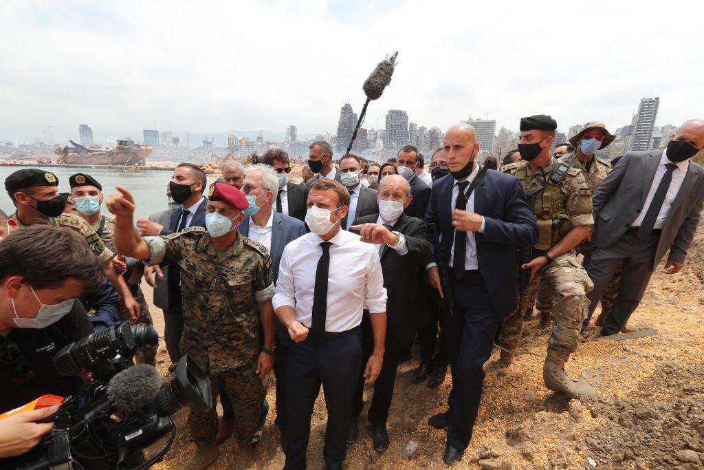 من زيارة الرئيس الفرنسي ايمانويل ماكرون لمكان الانفجار في مرفأ بيروت، 6 أغسطس/آب 2020