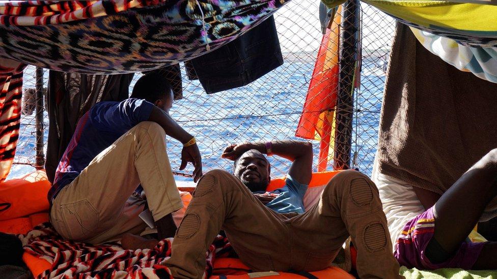 Inmigrante en el barco Open Arms
