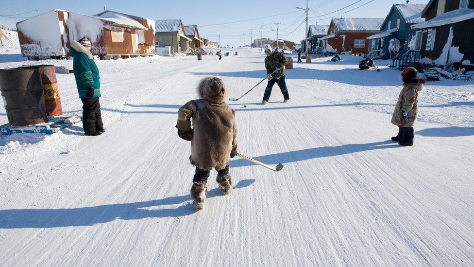niños inuit