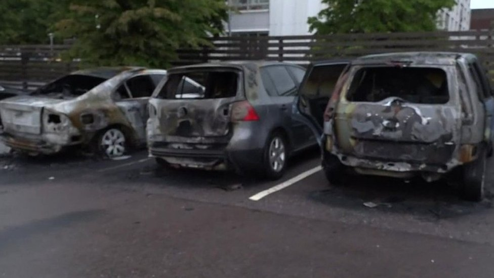 Swedish gangs set 80 cars on fire in several cities