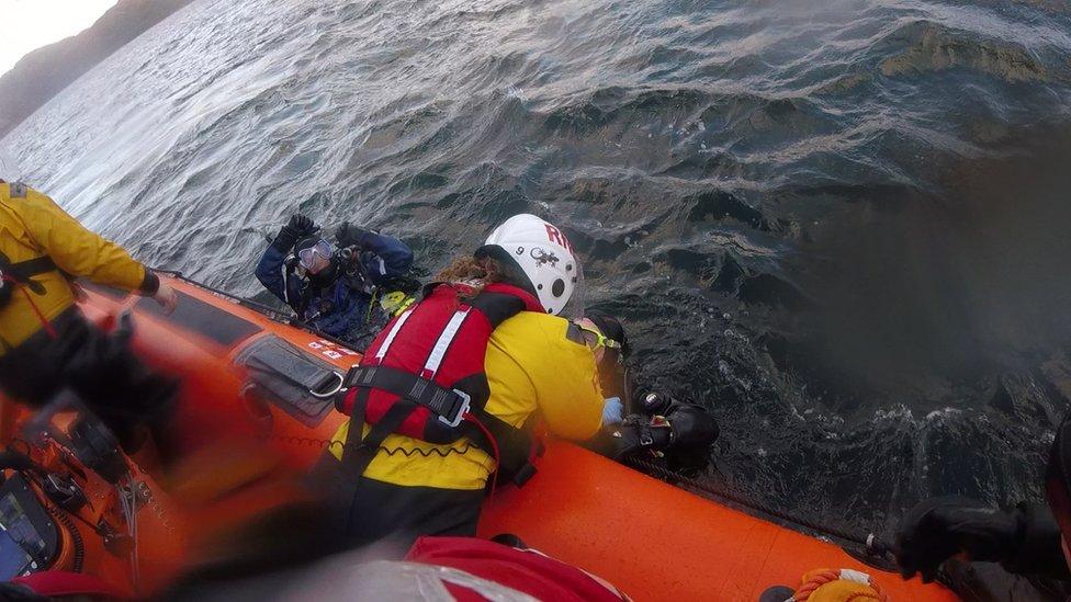 RNLI diver rescue