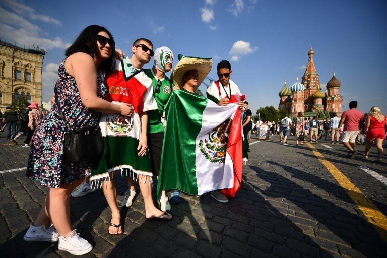 Los aficionados mexicanos han sido advertidos que podrían ser expulsados de los estadios de Rusia si realizan el cántico homofóbico.