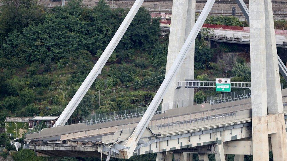 Jembatan Morandi, Italia