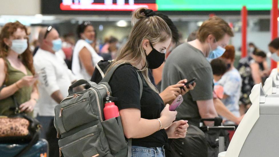 Australia And New Zealand To Start Quarantine Free Travel Bbc News