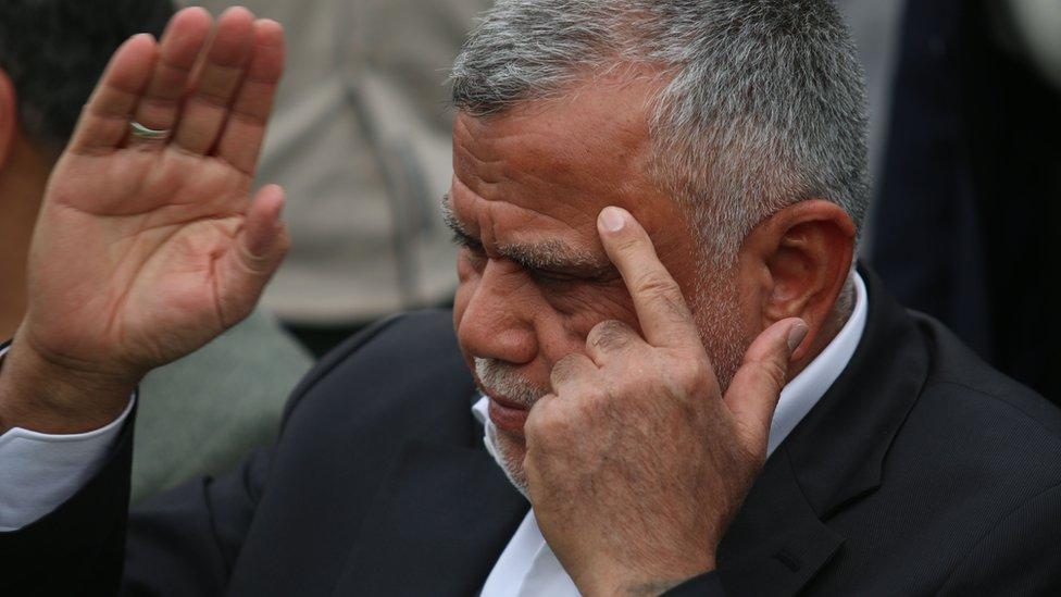 هادي العامري يستجيب إيجابيا لدعوة الصدر بشأن إقالة عبد المهدي