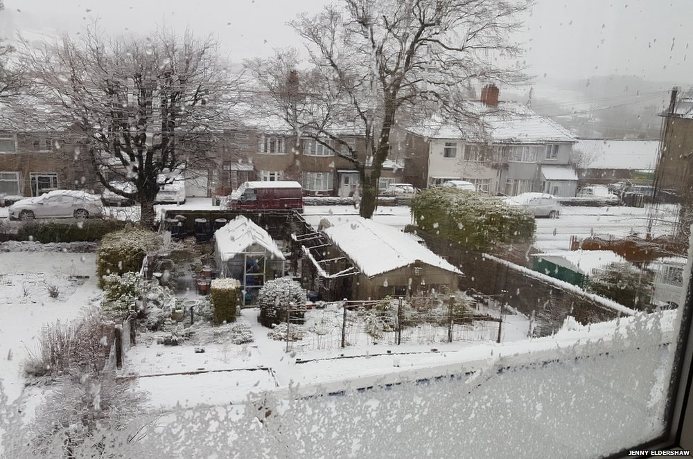 Snow in Buxton, Derbyshire, this morning thanks to Storm Katie. Credit: Jenny Eldershaw