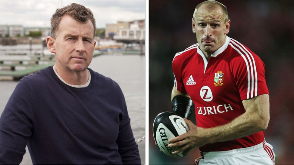 Nigel Owens praises Gareth Thomas after gay hate crime