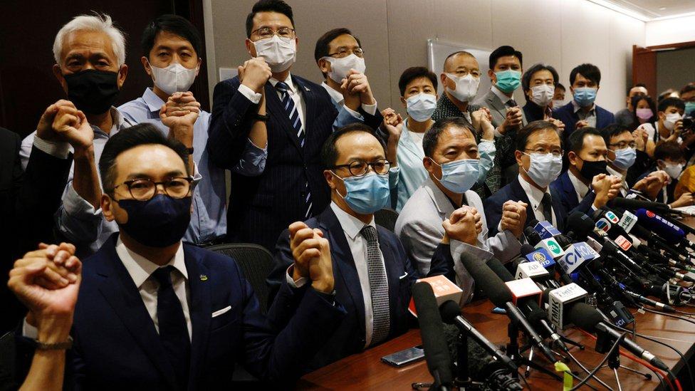香港立法會民主派議員會見記者(11/11/2020)