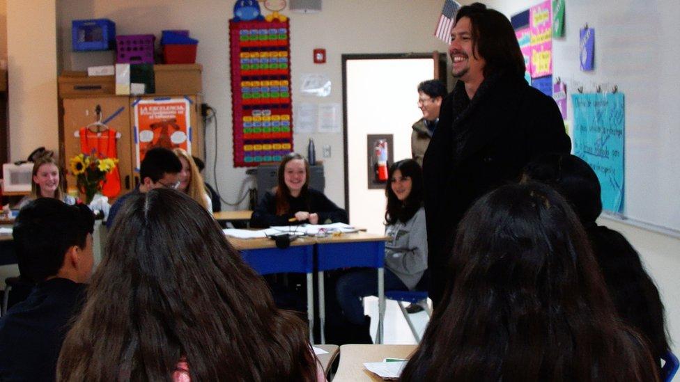 El equipo de BBC Mundo en la escuela Cien Aguas de Albuquerque