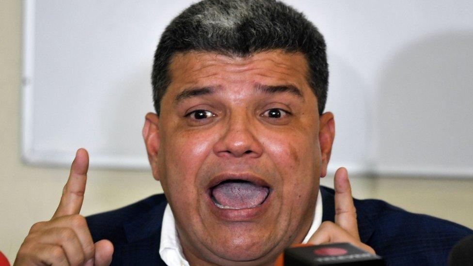 Luis Parra.