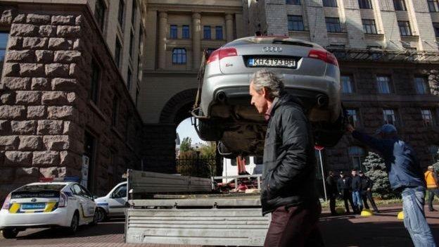 #Непроґавте: звільнення з української армії та нові правила паркування