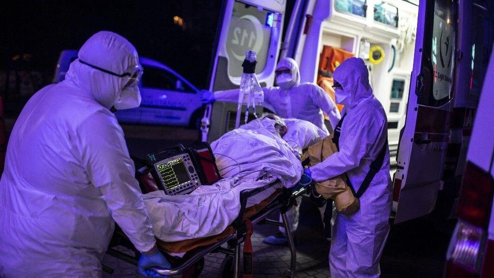 """""""Habrá cientos de miles de personas en el mundo que requerirán tratamientos como diálisis renal por el resto de sus vidas""""."""