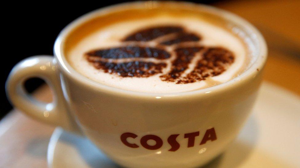 أكدت دراسة حديثة أن شرب 6 أكواب على الأقل من القهوة يومياً قد يساعد الناس للعيش لمدة أطول.