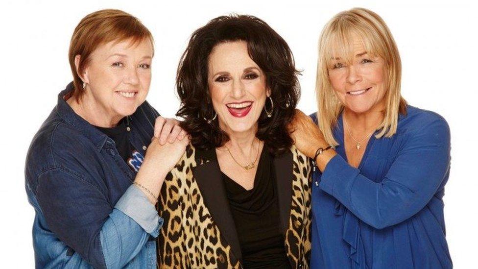 Pauline Quirke yn 'Birds of a Feather' gyda Lesley Joseph a Linda Robson