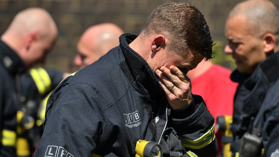 Grenfell Tower: 'Asbestos particles in smoke' could be risk for survivors
