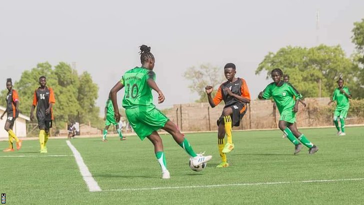 Güney Sudan kadın futbolcular