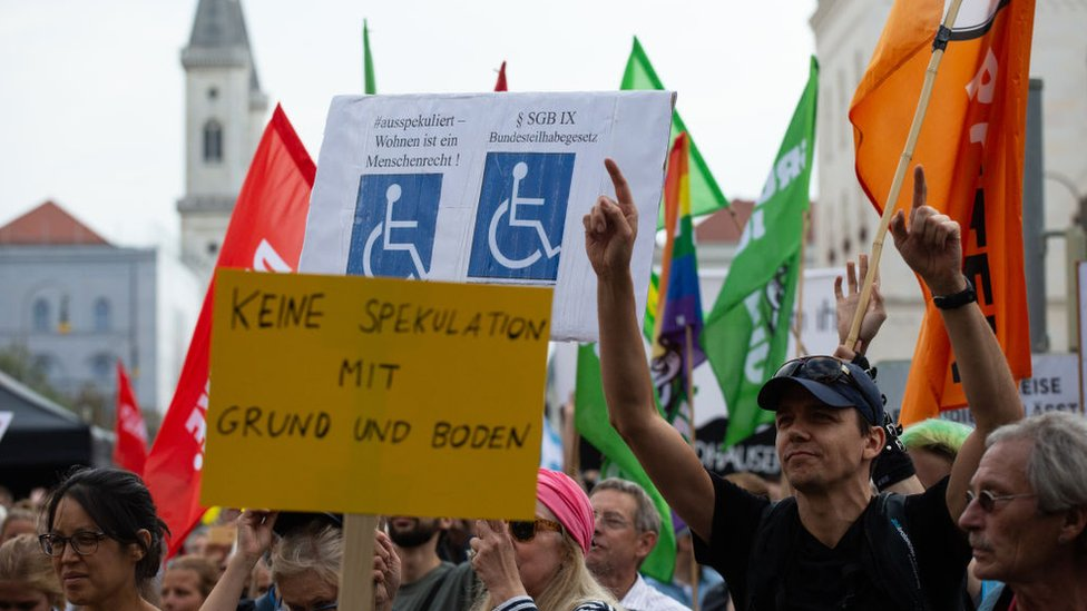 Demonstrators against high rent in Munich in September 2018