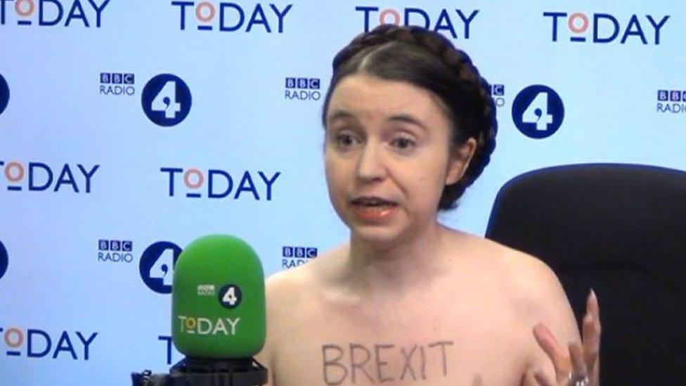 'I invite Jacob Rees-Mogg to a naked debate!'