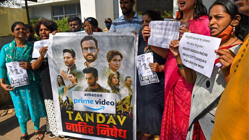"""مناصرون لـ""""حزب الشعب الهندي"""" يحتجون على محتوى المسلسل"""