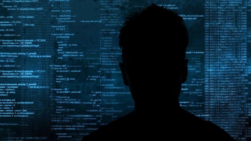 Более 300 человек в 38 странах арестованы по делу о детском порно в даркнете