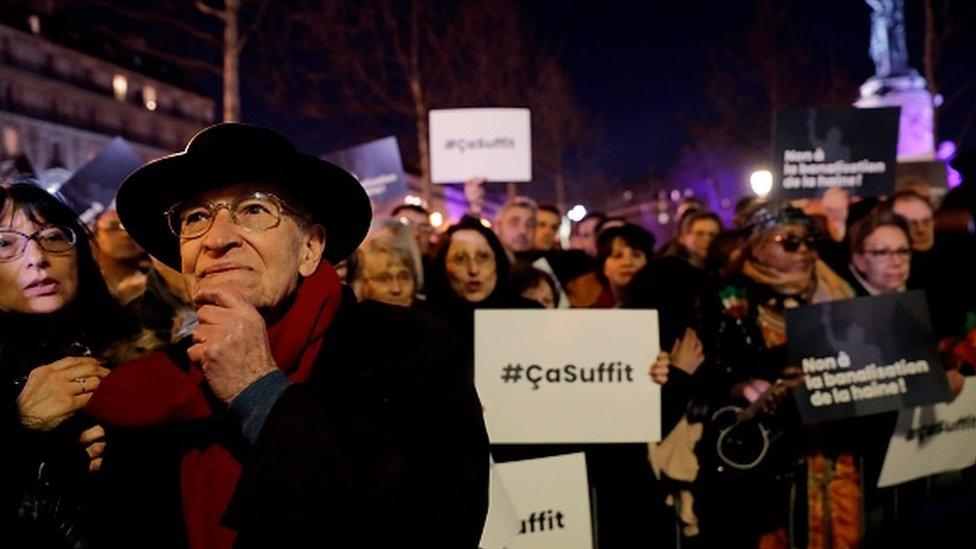 Protesti na Trgu republike u Parizu