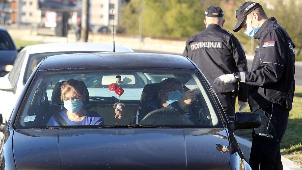 proveravanje dokumenata kod policije