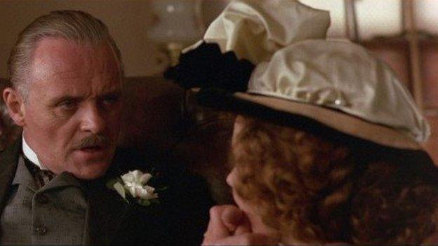 Roedd profiad gwaith ar ffilm 'Howard's End' gyda Anthony Hopkins a Helena Bonham Carter yn ysgogiad mawr i Siân wrth ddatblygu ei gyrfa
