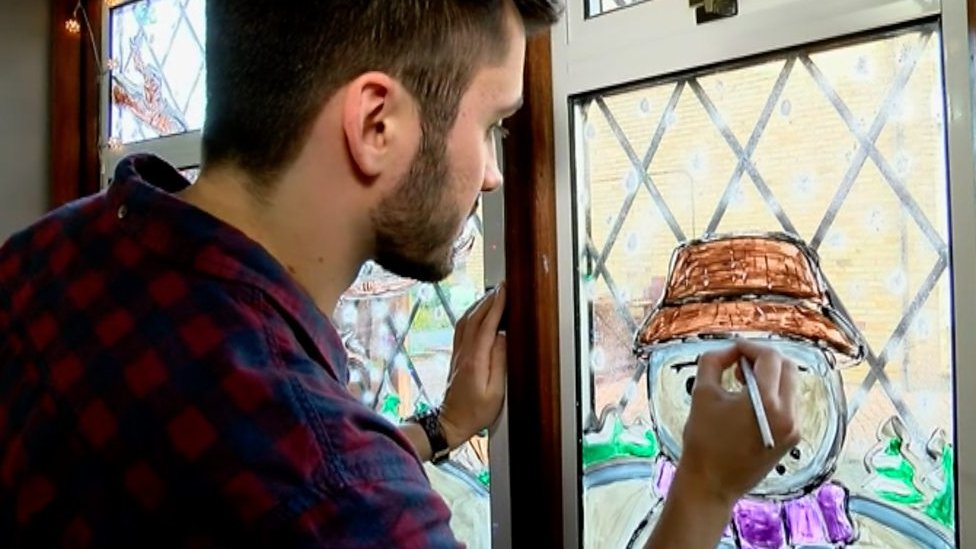 Rochester family turn their Christmas window into an annual display