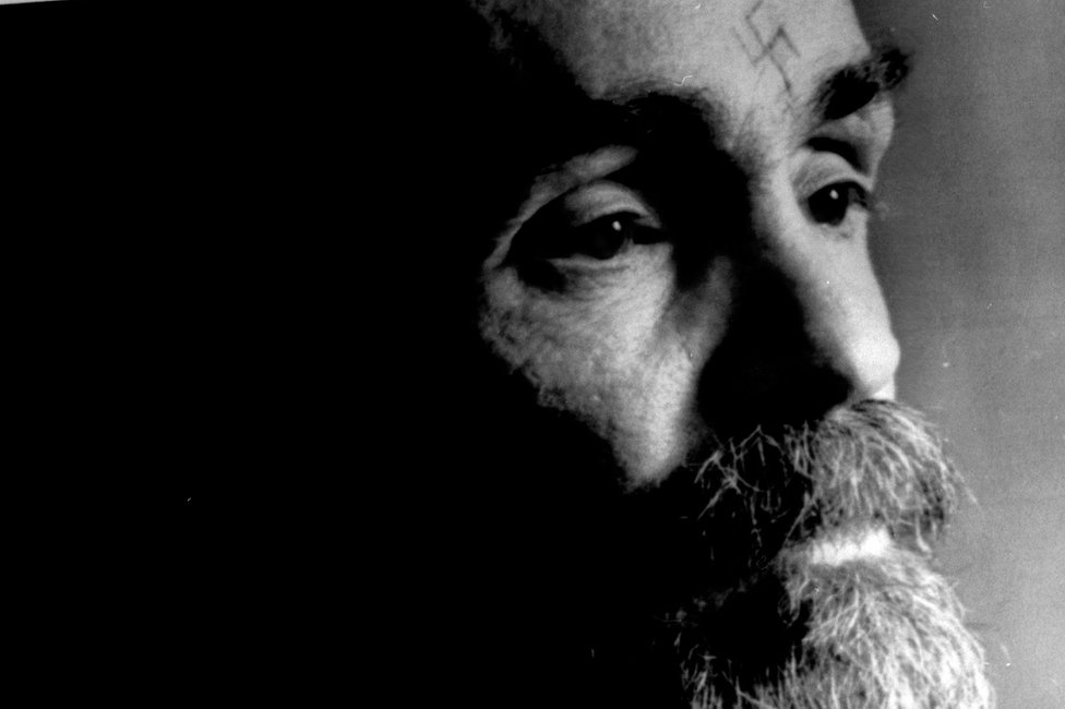 Charles Manson talks during an interview August 25, 1989.