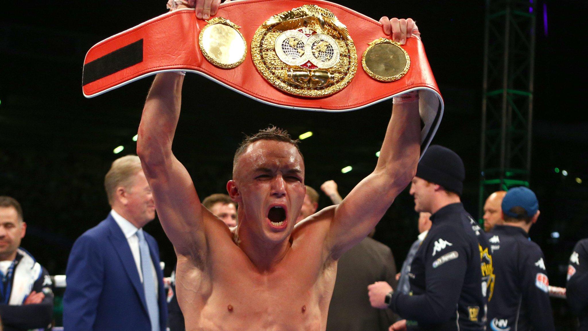 Josh Warrington stuns Lee Selby to win IBF world featherweight title