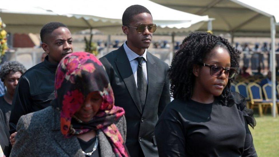 أفراد من عائلة موغابي