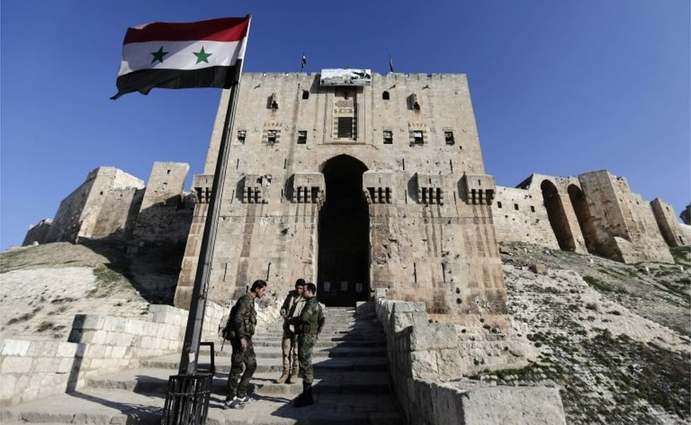 Syrian soldiers outside Aleppo's Citadel (Jan 2017)