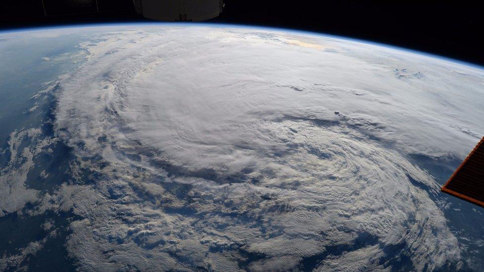 La tormenta tropical Harvey vista desde el Estación Espacial Internacional de la NASA.