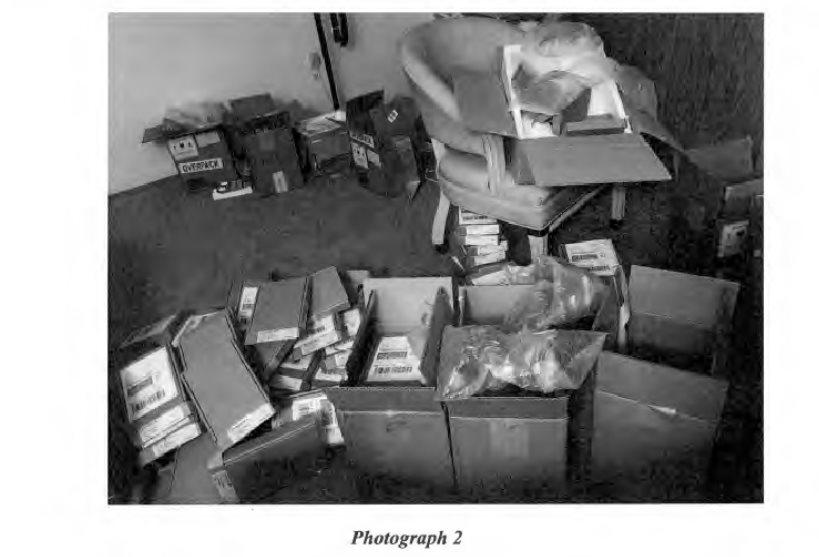 Cajas encontradas por el agente Duffy