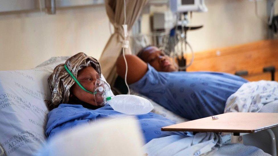 Pacientes con covid en Sudáfrica