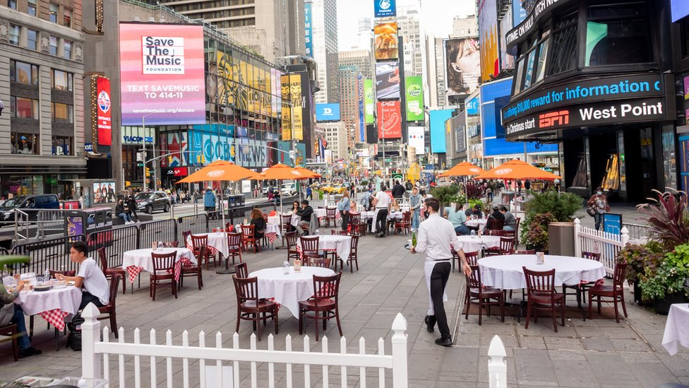 People dine at Tony's Di Napoli's outdoor seating on October 23, 2020 in New York City