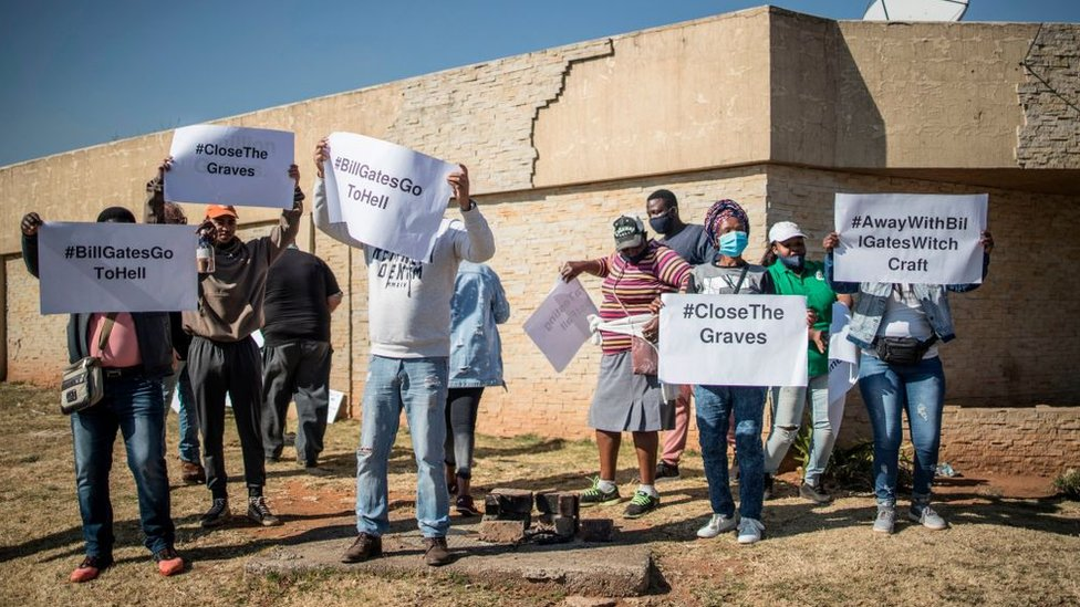 Vaccine sceptics protesting in South Africa