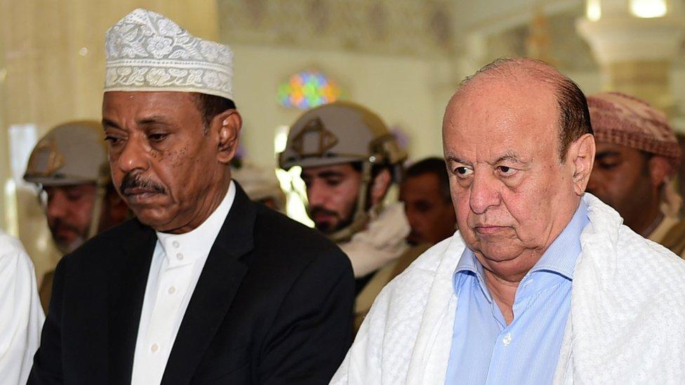 Aden Governor Jaafar Mohammed Saad (left|) with Yemeni President Abdrabbuh Mansour Hadi (right)