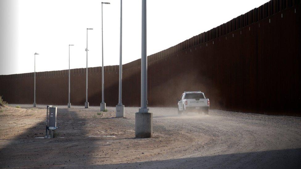 Las autoridades fronterizas hicieron más de 20.000 arrestos en marzo a personas que cruzaron sin documentos en el sector de Yuma.