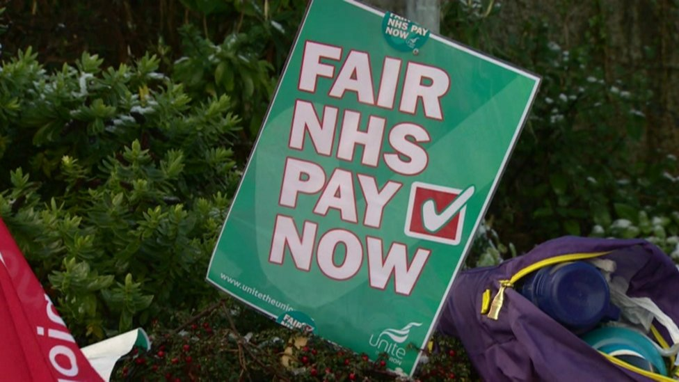 NI health workers want action on pay gap