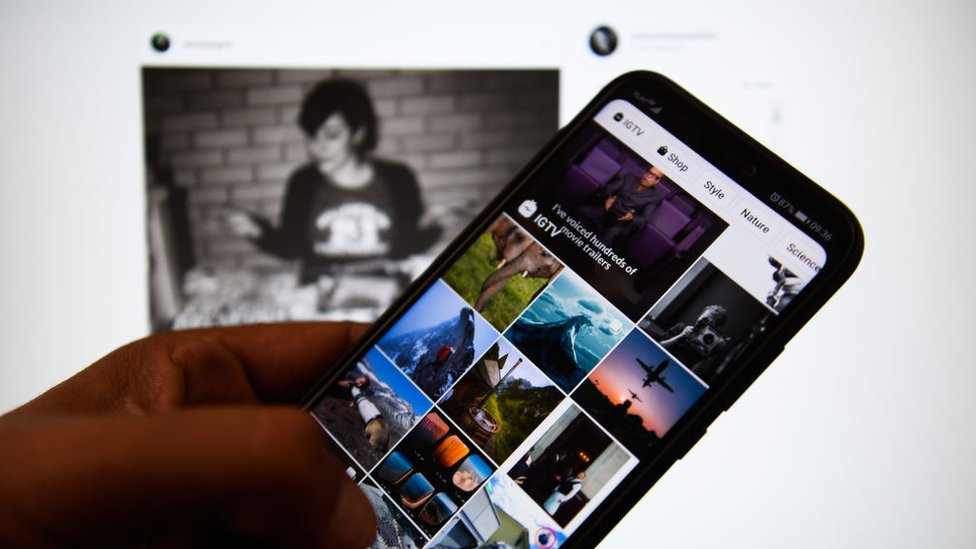 Teléfono con Instagram.
