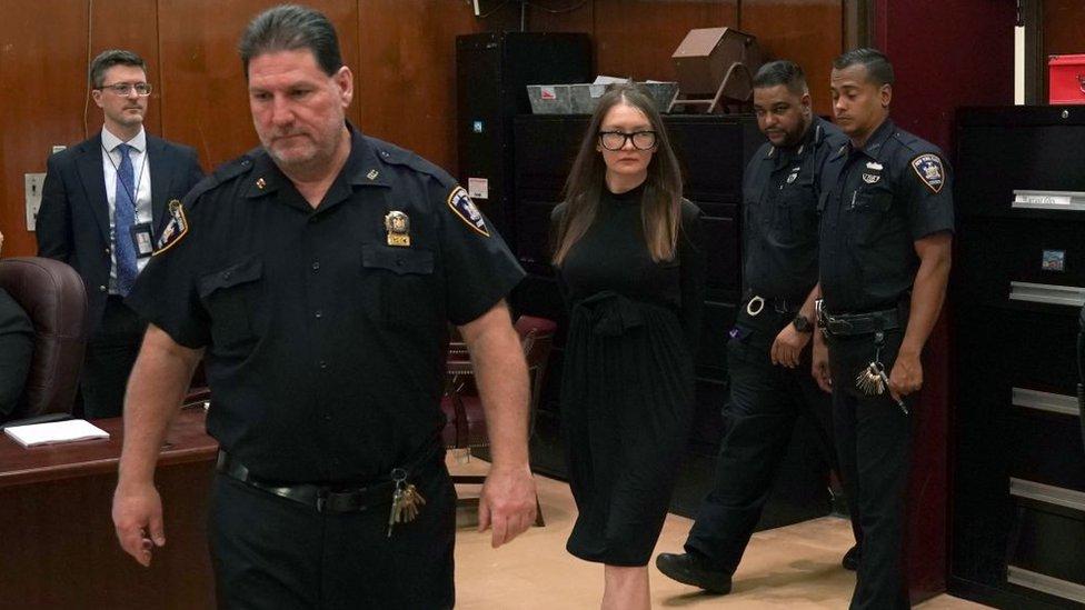 La falsa heredera Anna Sorokin en la Corte Suprema de Manhattan, en mayo de 2019.