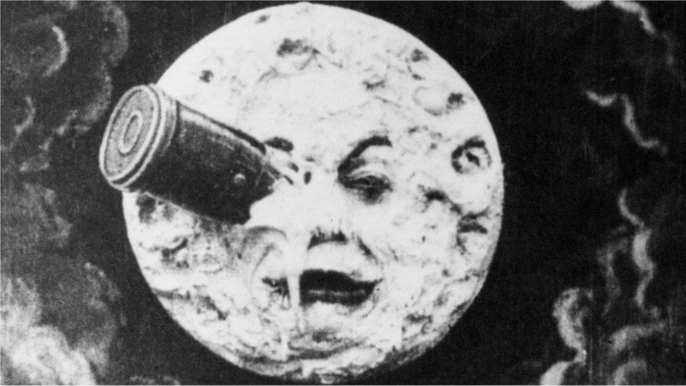 "Una escena de ""1902 A Trip to the Moon"""