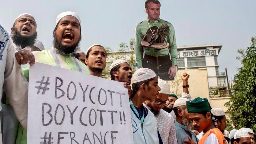 Llamado a boicot a productos franceses en Bangladés
