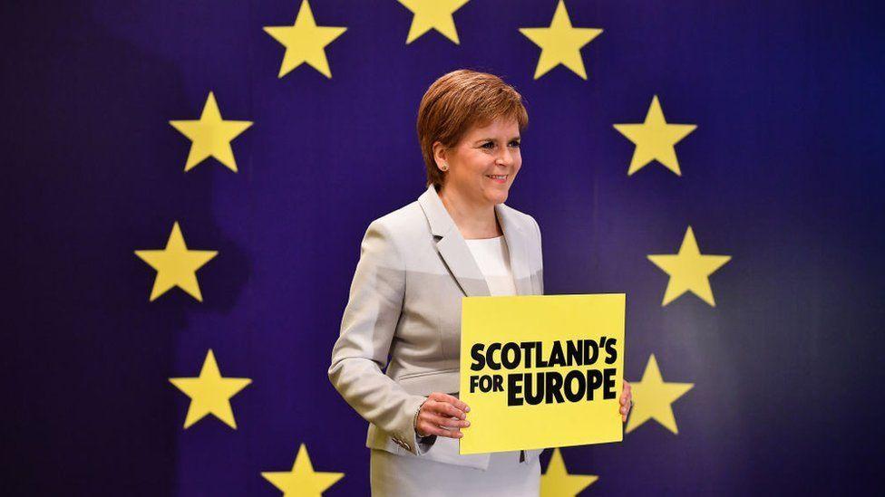 İskoçya Özerk Yönetimi Başbakanı Nicola Sturgeon